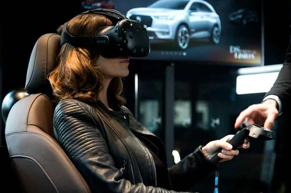 Femme avec un casque de VR
